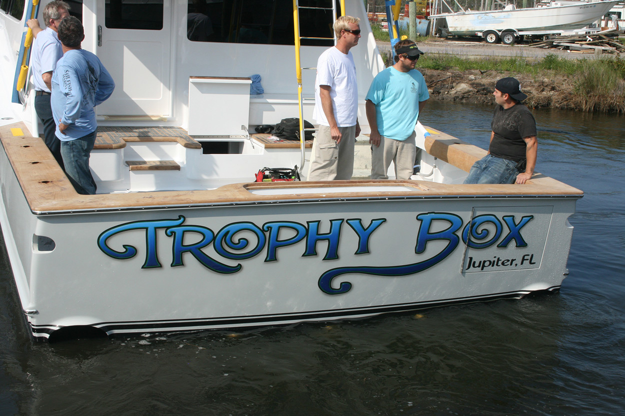 Trophy box jupiter florida boat transom boats transom for Boat mailbox